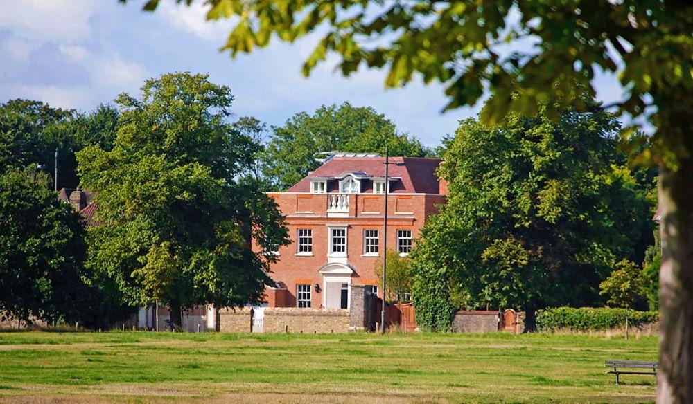 new build garden designer Wimbledon